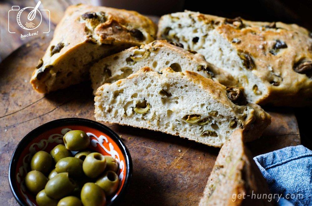 Selbstgemachtes Olivenbrot
