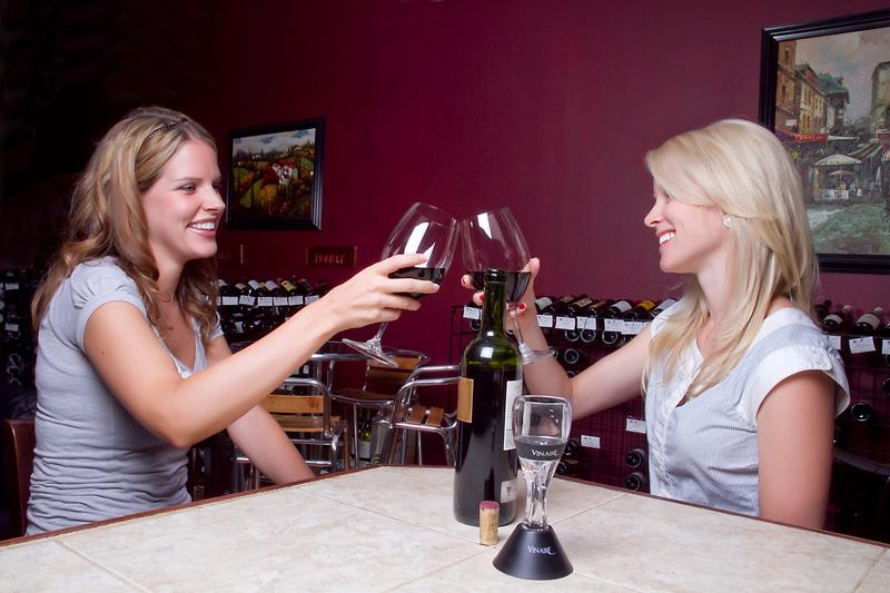 Vin-aire instant wine aerator