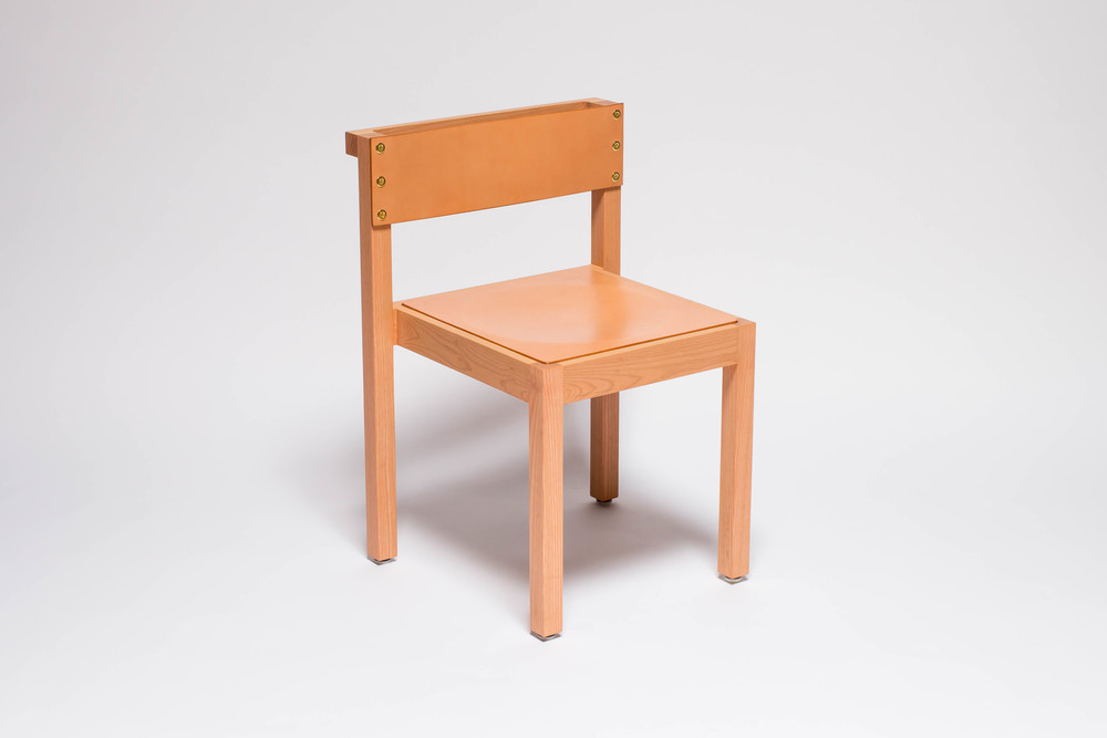 NINETY CHAIR FRONTAL PINK.jpg