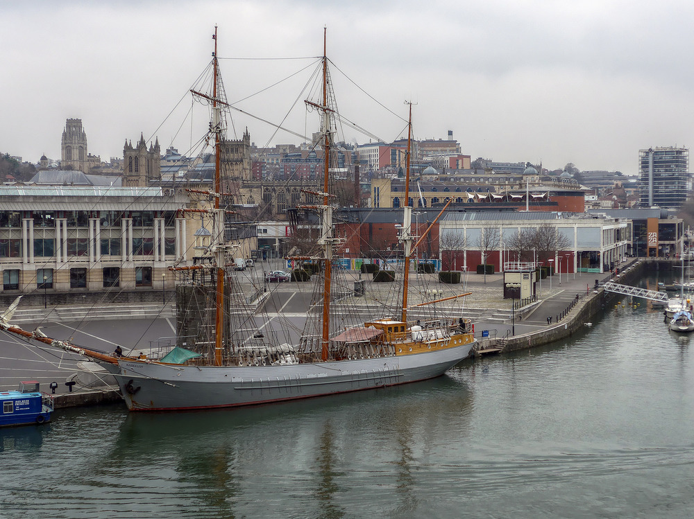 Kaskelot in Bristol. Image https://www.flickr.com/photos/andrewgustar/16511892465/