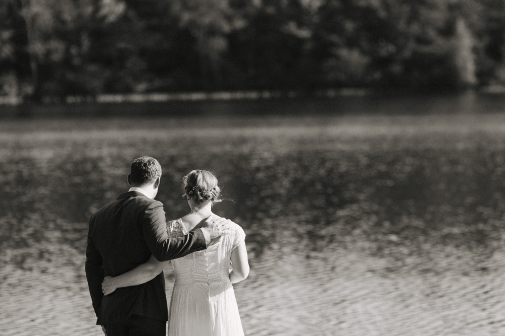 wedding_photographer_poconos_lakehouse_camp079.JPG