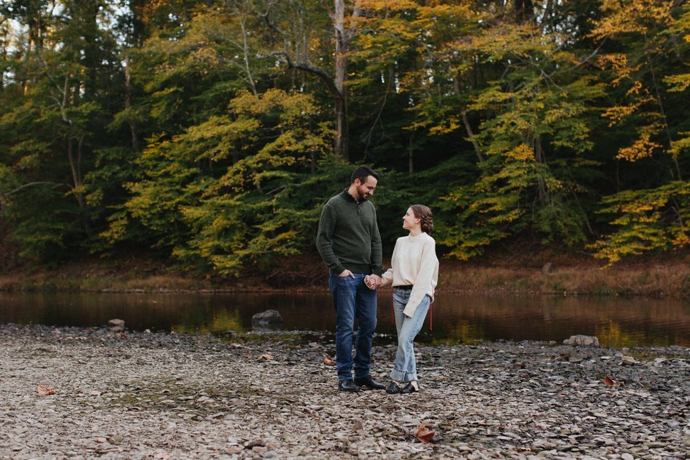 0006_17_10_22_steph_tim0058_woodsy,_fall,_nature_field,_engagement,.jpg