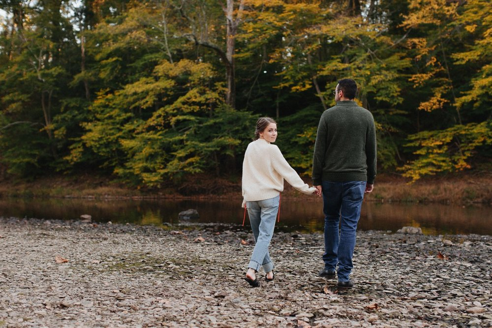 0007_17_10_22_steph_tim0075_woodsy,_fall,_nature_field,_engagement,.jpg