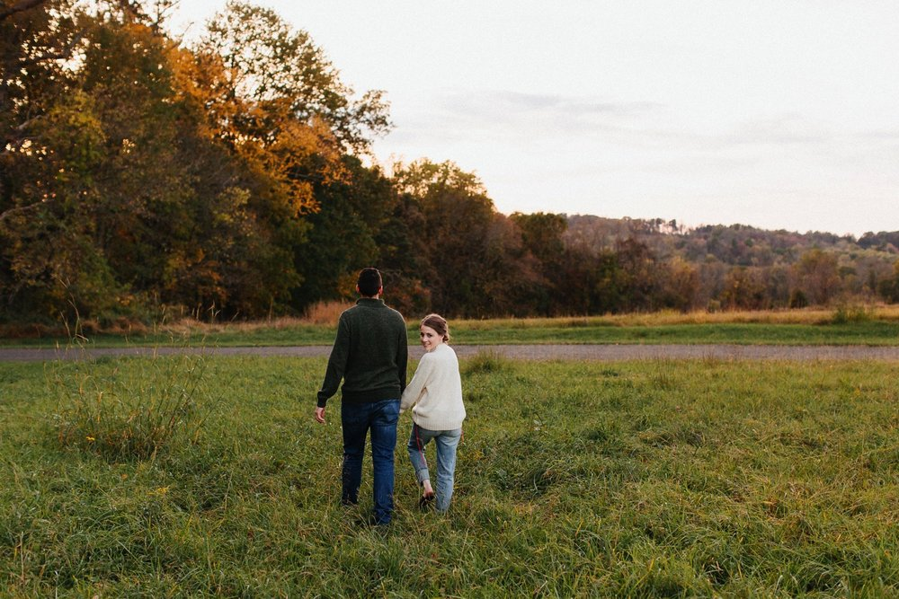 0021_17_10_22_steph_tim0170_woodsy,_fall,_nature_field,_engagement,.jpg