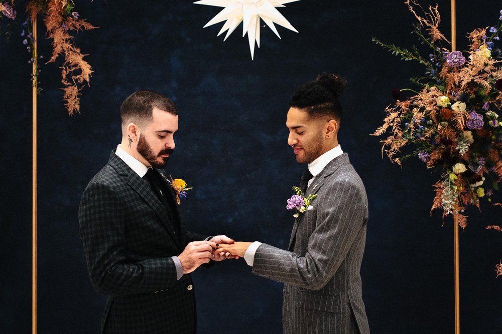 18_17_12_11_masculine_celestial0062_masculine,_moody,_same-sex_grooms_celestial,_wedding.jpg