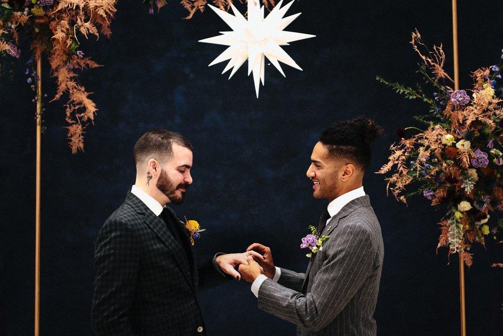19_17_12_11_masculine_celestial0065_masculine,_moody,_same-sex_grooms_celestial,_wedding.jpg