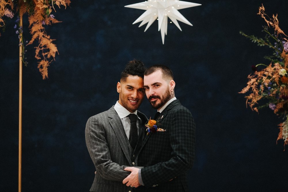 21_17_12_11_masculine_celestial0098_masculine,_moody,_same-sex_grooms_celestial,_wedding.jpg