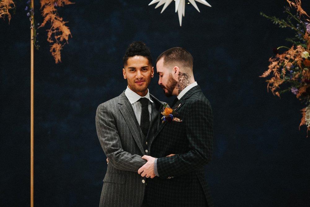 25_17_12_11_masculine_celestial0101_masculine,_moody,_same-sex_grooms_celestial,_wedding.jpg
