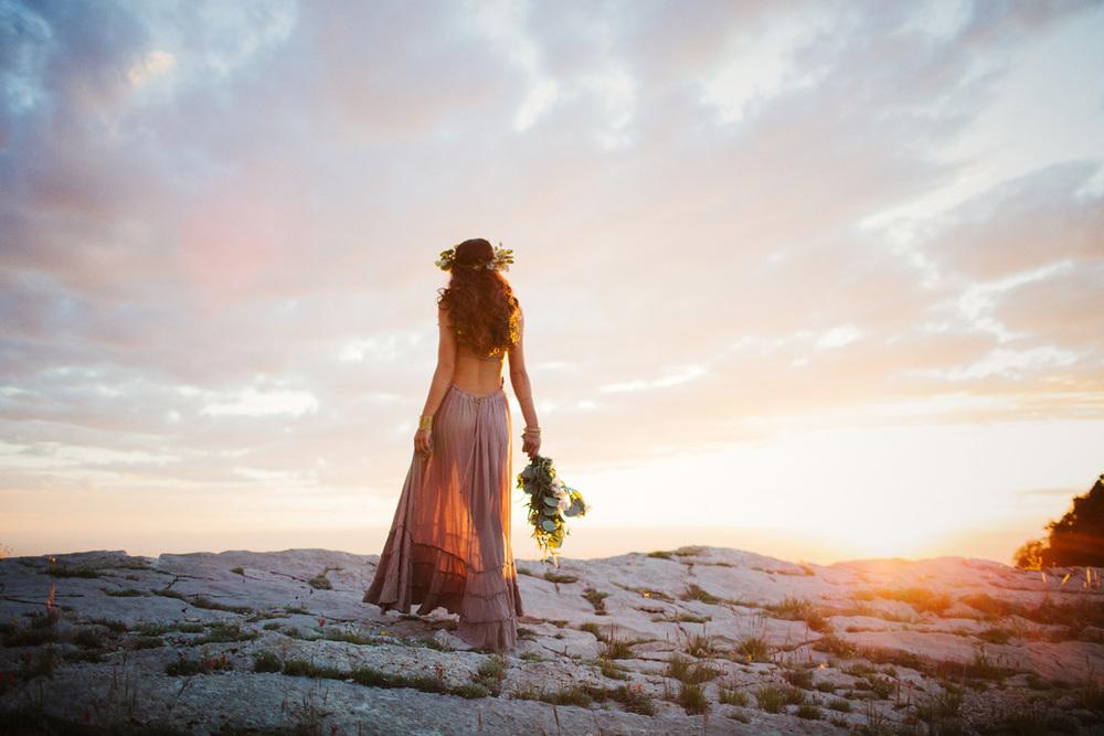 179-sandia-peak-crest-bridal-free-people-wedding-albuquerque-new-mexico-liz-anne-photography.jpg