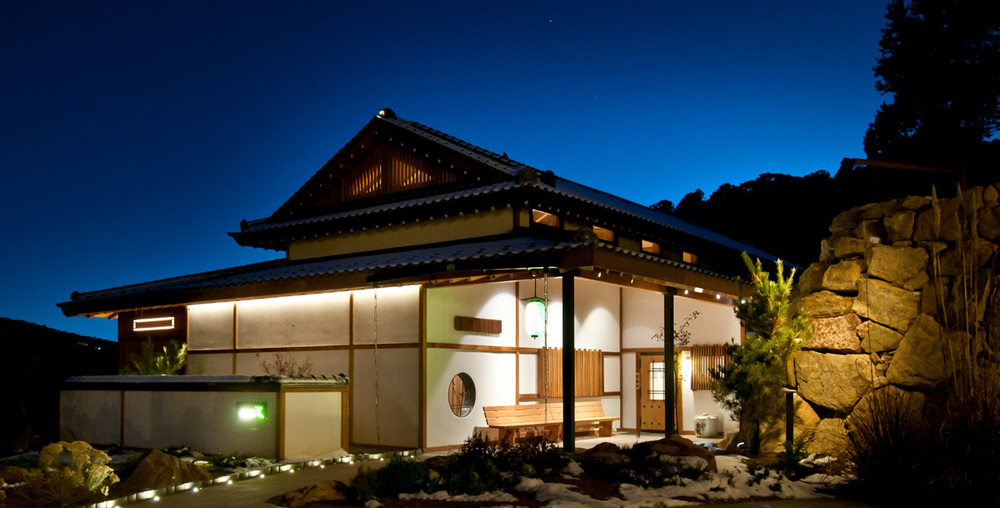izanami nightshot exterior  040.jpg