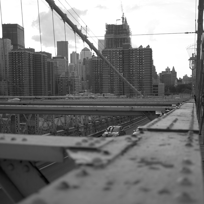 Brooklin Bridge back to city.jpg