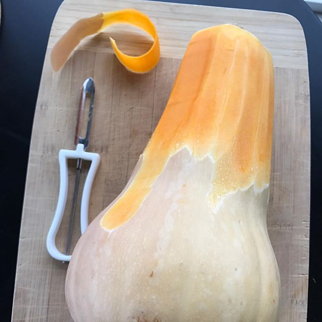 Obsessed with butternut squash as of late! It's crazy how much squash you get for only $2 (in season). Now the question is, what do I make?! Any suggestions ?