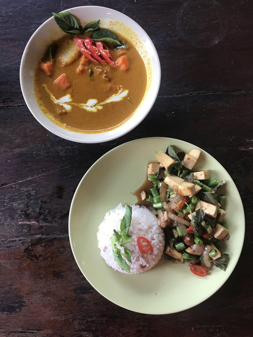 How i learned to make yellow curry in thailand with recipe ingredients needed for the yellow curry paste forumfinder Image collections