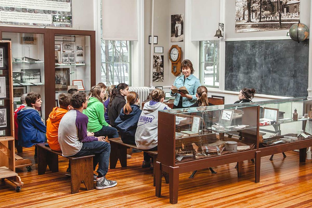 schoolhouse-exhibit.jpg