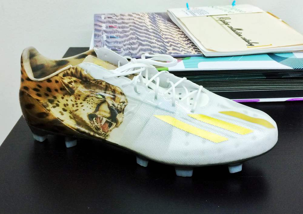 Brought into the MLAB: adidas Adizero 40. Only used for the 40-yard dash at the NFL combine.