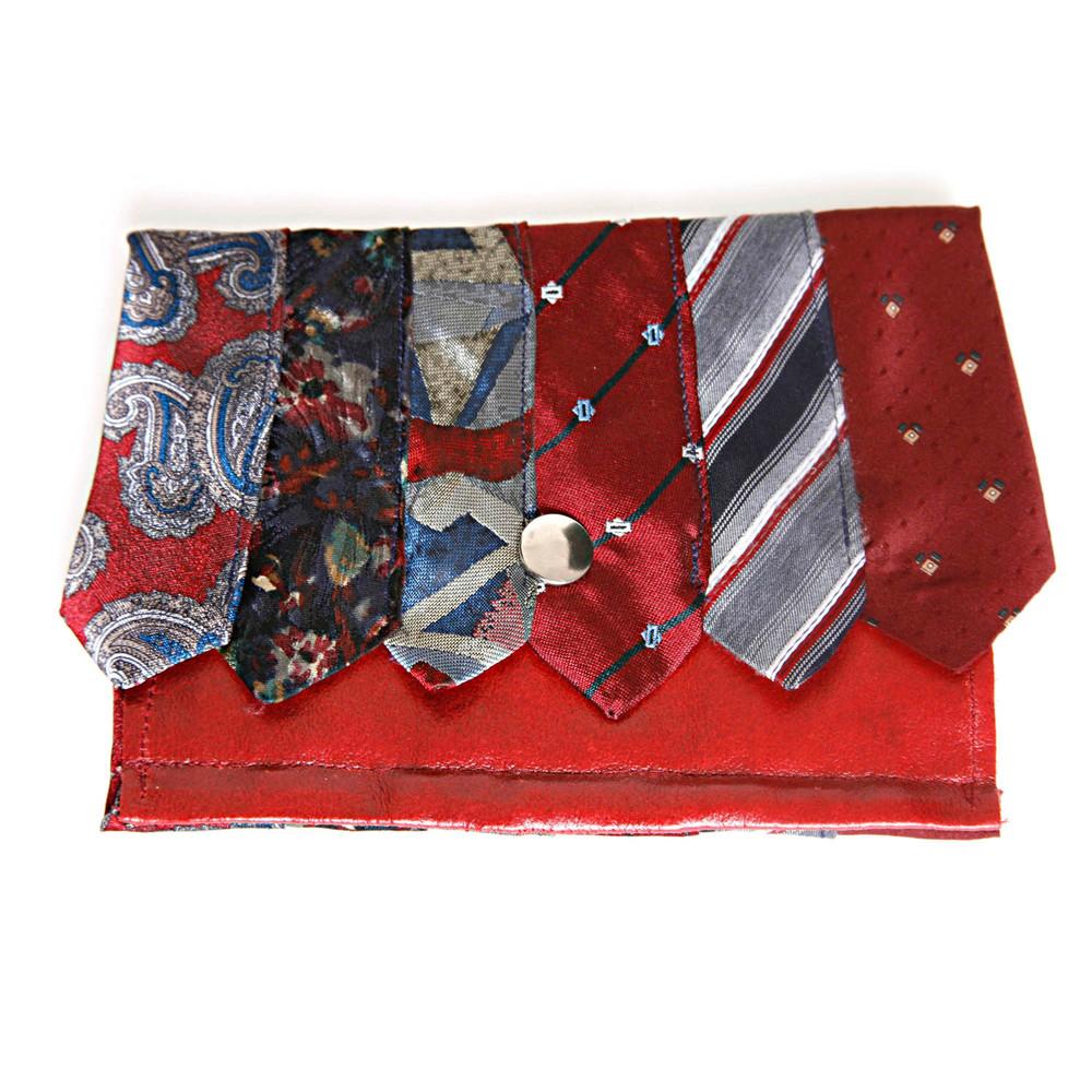 © girlwithbeads Tie Purse Red.jpg
