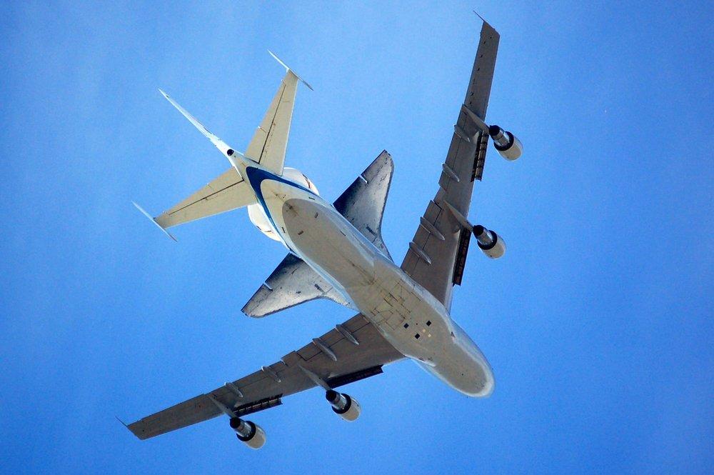 crop roger two plane having sex matt-artz-445462-unsplash.jpg
