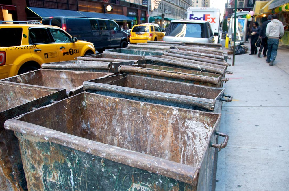 dumbster park nyc new yoek usa america manhattan yellow downtown life city day people trash yard.jpg