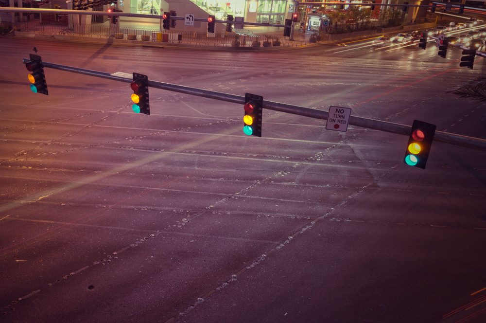 no turn on red green yellow orange light strip las vegas nevada lv nv croos road cars night life ligth painting casino boulevard.jpg