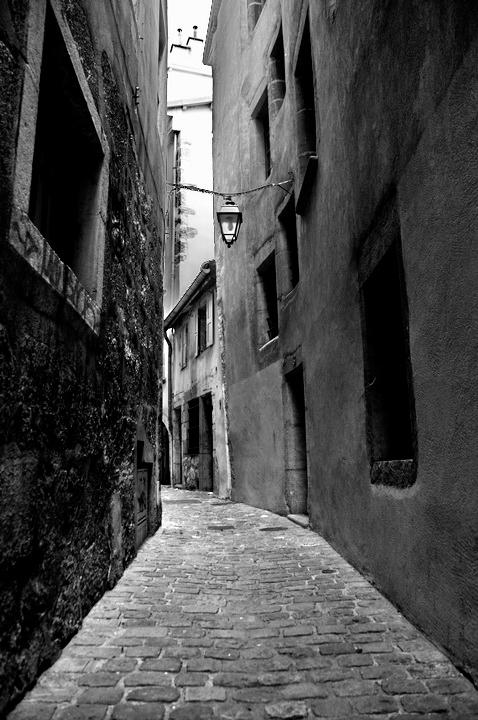 chambery rue noir et blanc 2.jpg