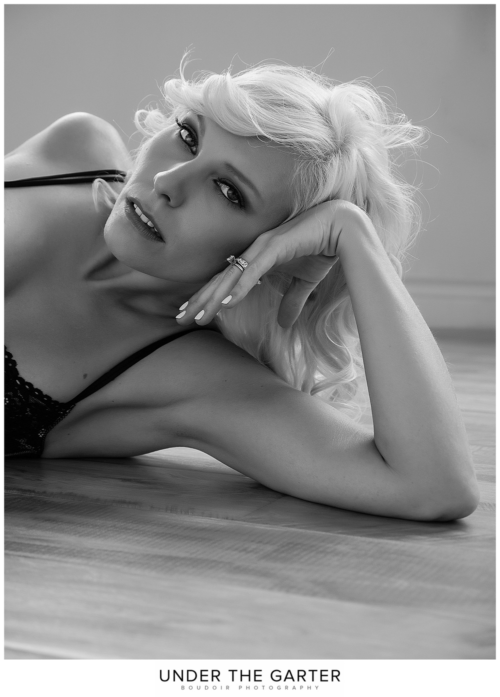 boudoir photography floor pose detail portrait.jpg