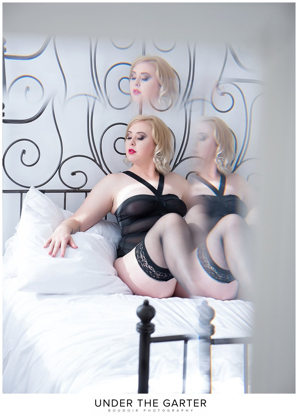 boudoir photography denver goddess pose.jpg