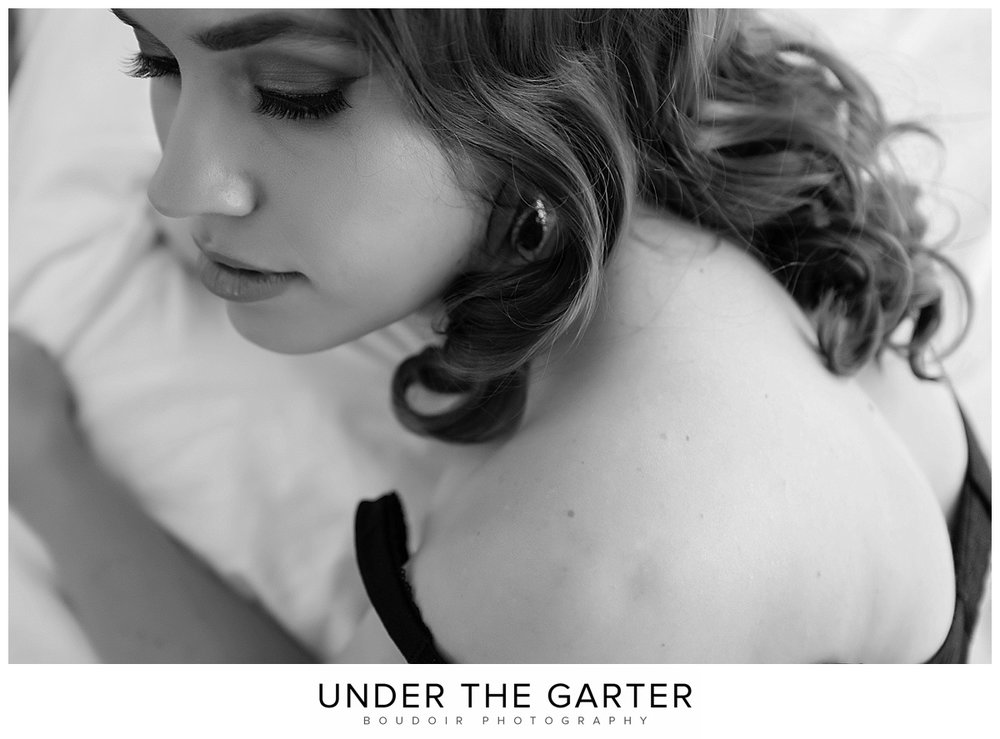 boudoir photography denver bw makeup detail.jpg