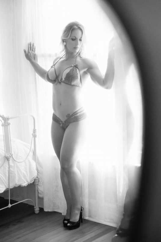 Boudoir-Photo-Denver-woman-in-lingerie-reflected-in-vintage-vanity-mirror