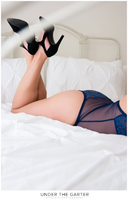 boudoir photography denver blue lace leg detail.jpg