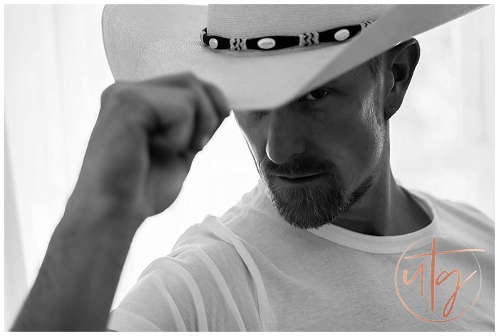 male boudoir photography denver cowboy hat bw.jpg