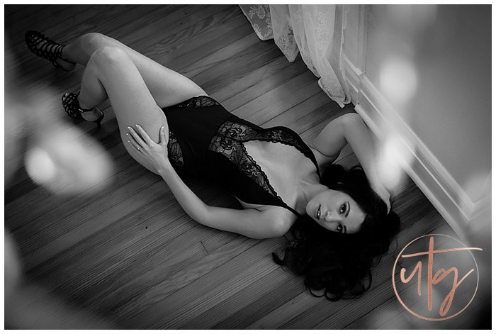 boudoir photography denver lace floor pose.jpg