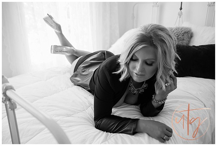 boudoir photography denver blazer bed.jpg