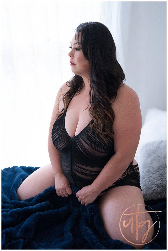 boudoir photography denver brunette fringe.jpg