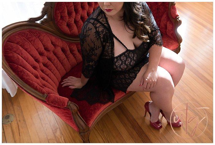 boudoir photography denver vintage red chaise.jpg