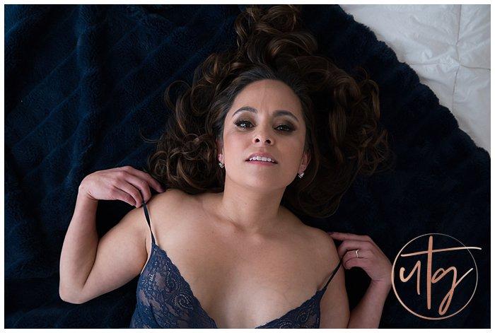 boudoir photography denver blue lace brunette.jpg