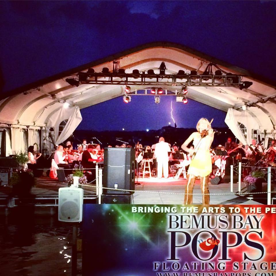 Then I will prepare for my next Paramount Hudson Valley Show, which will be in September 2016. It will also feature Rob Evan, who I met at this Bemus Bay Pops Festival - what an amazing moment when this lightning stroke! The Paramount Show will be filmed for TV stations worldwide.