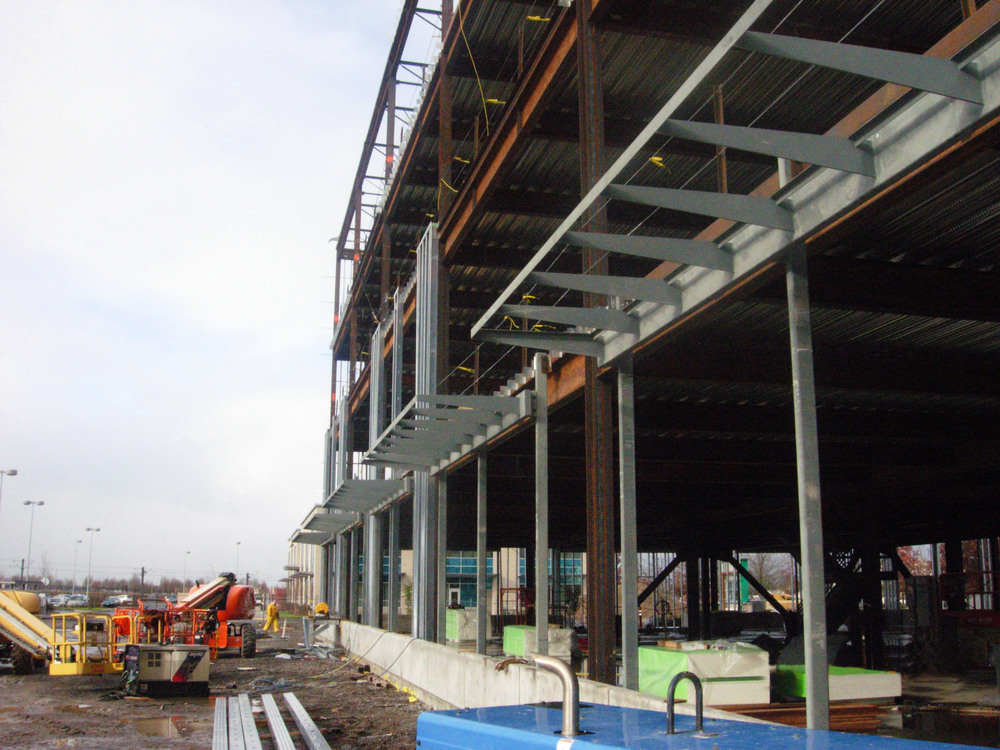 cascade-station-hq-office-rf-stearns-structural-steel-construction-4.jpg