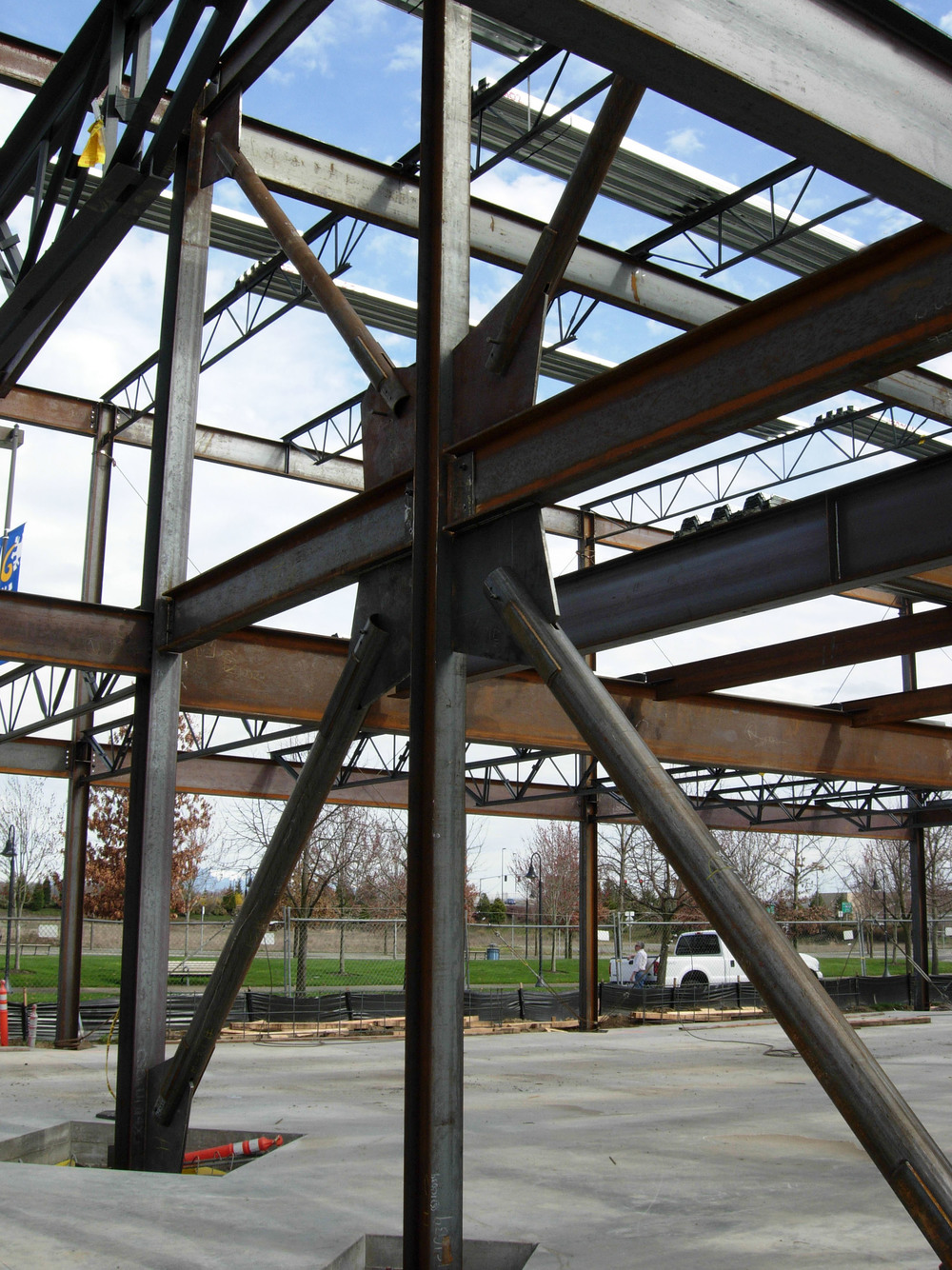 cascade-station-2-office-rf-stearns-structural-steel-construction-4.JPG