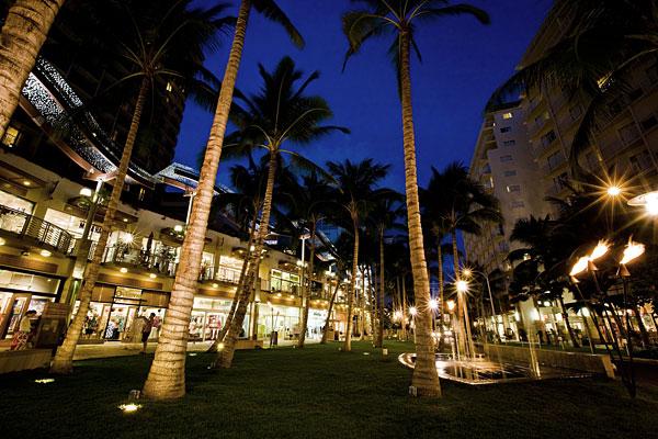 waikiki-beach-walk-retail-rf-stearns-structural-steel-construction-2.jpg