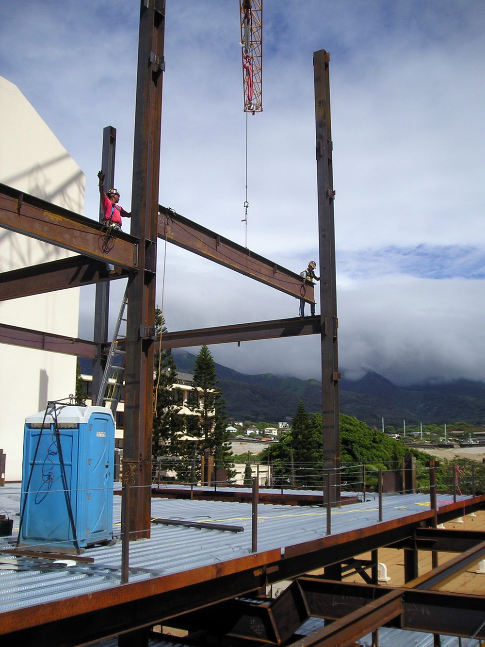 maui-memorial-hospital-medical-office-building-rf-stearns-structural-steel-construction-6.jpg