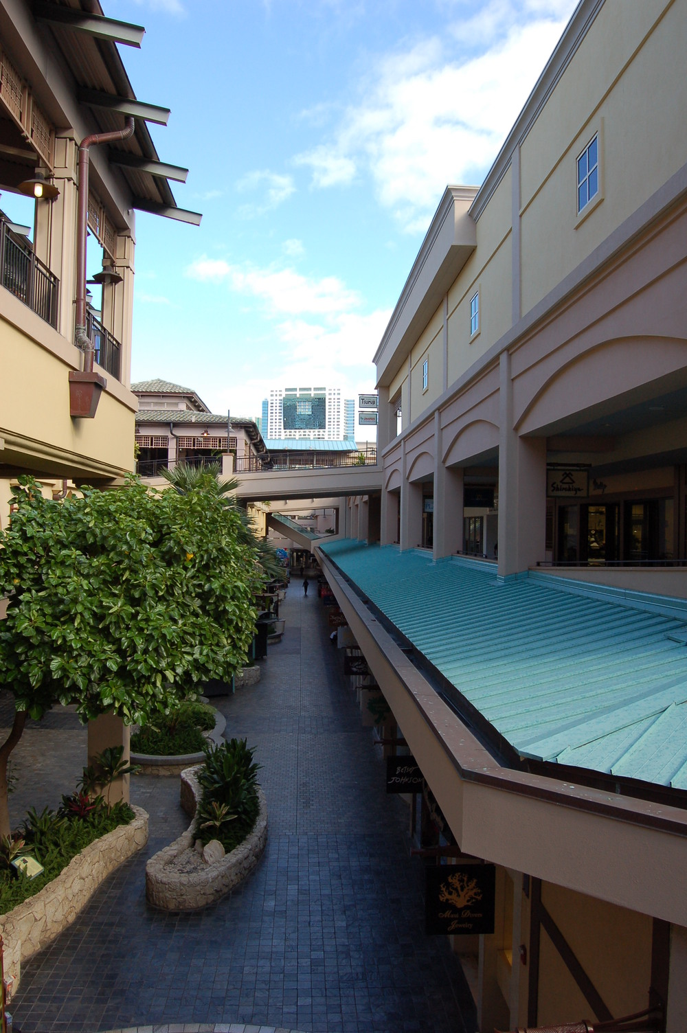 ala-moana-shopping-center-retail-rf-stearns-structural-steel-construction-2.jpg