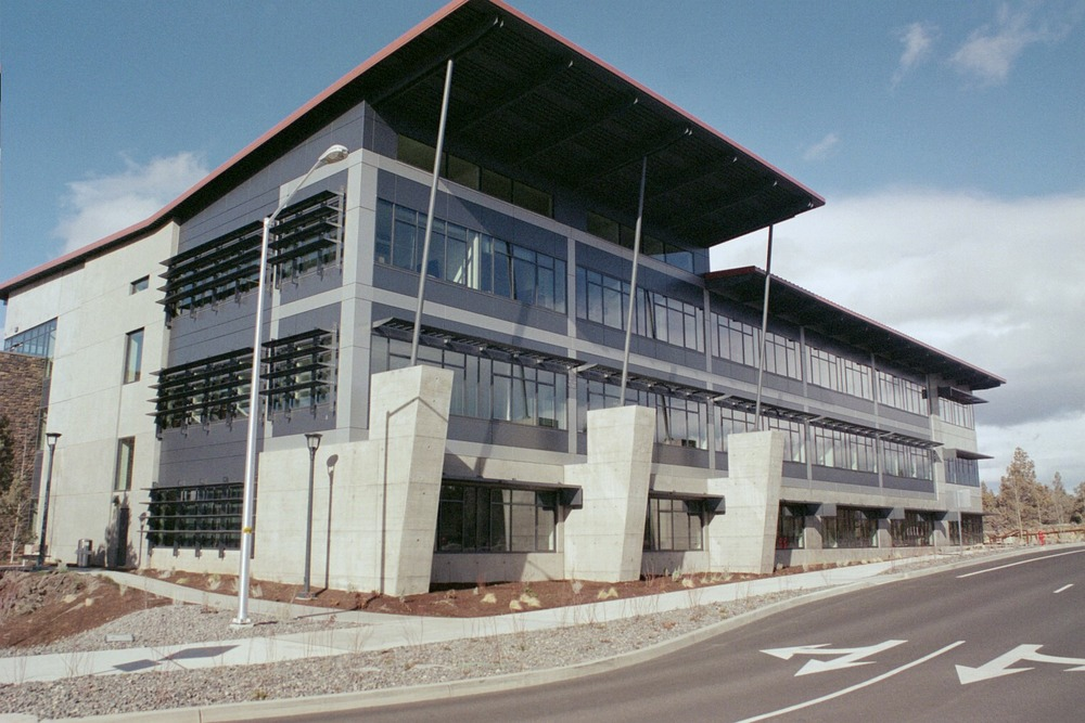 les-schwab-headquarters-office-building-rf-stearns-structural-steel-construction-1.JPG