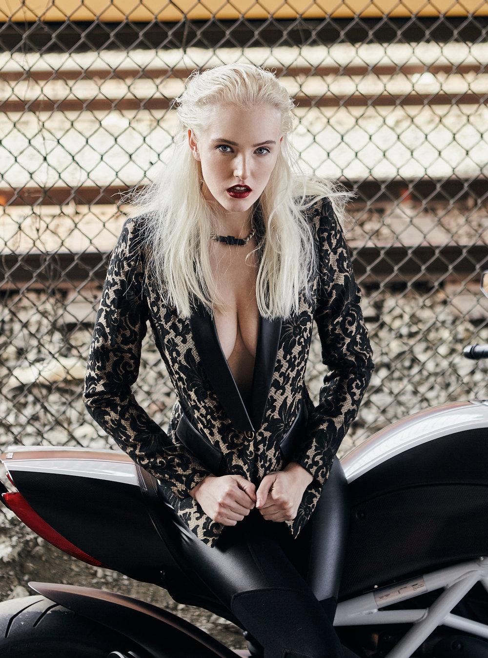 Fashion editorial photoshoot Vancouver Rocker 16.jpg