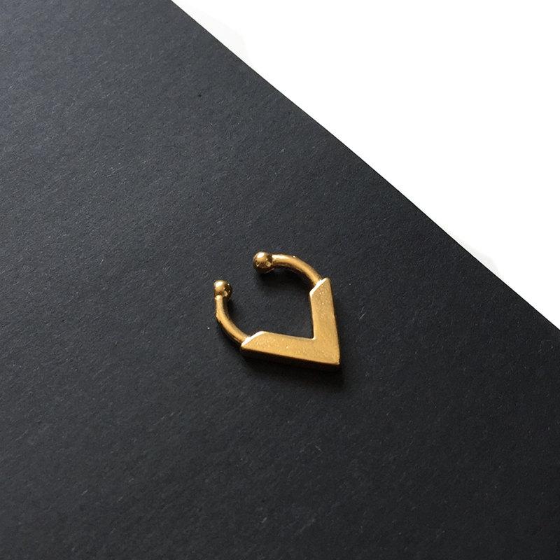 ASHANTI Faux Septum Ring