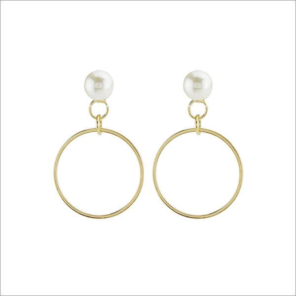 Pearly Light Earrings
