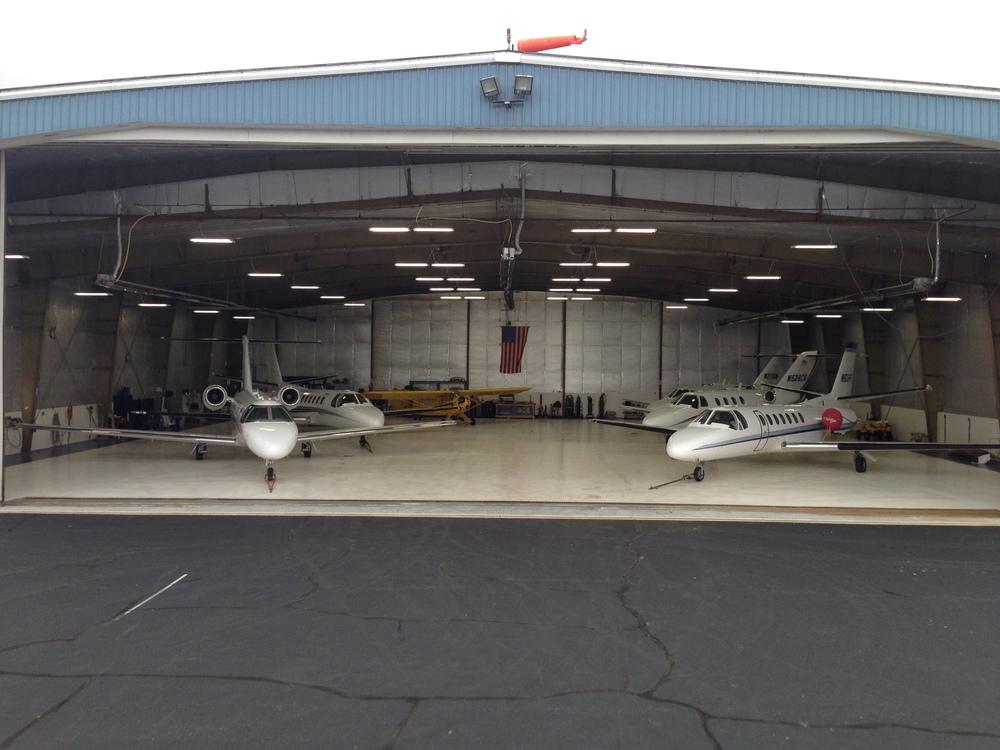 hangar5jets.JPG
