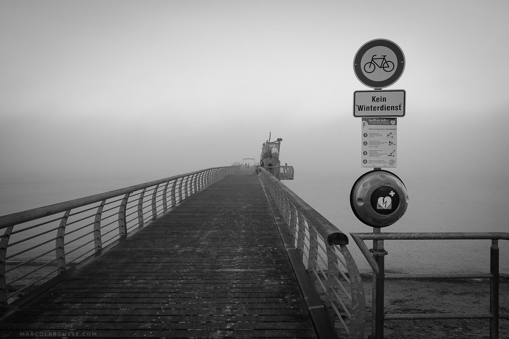 Off Season - Empty Pier - Kein Winterdienst!