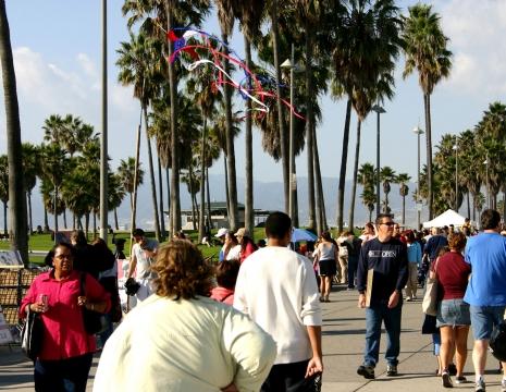 People on Venice Beach Boardwalk.jpg
