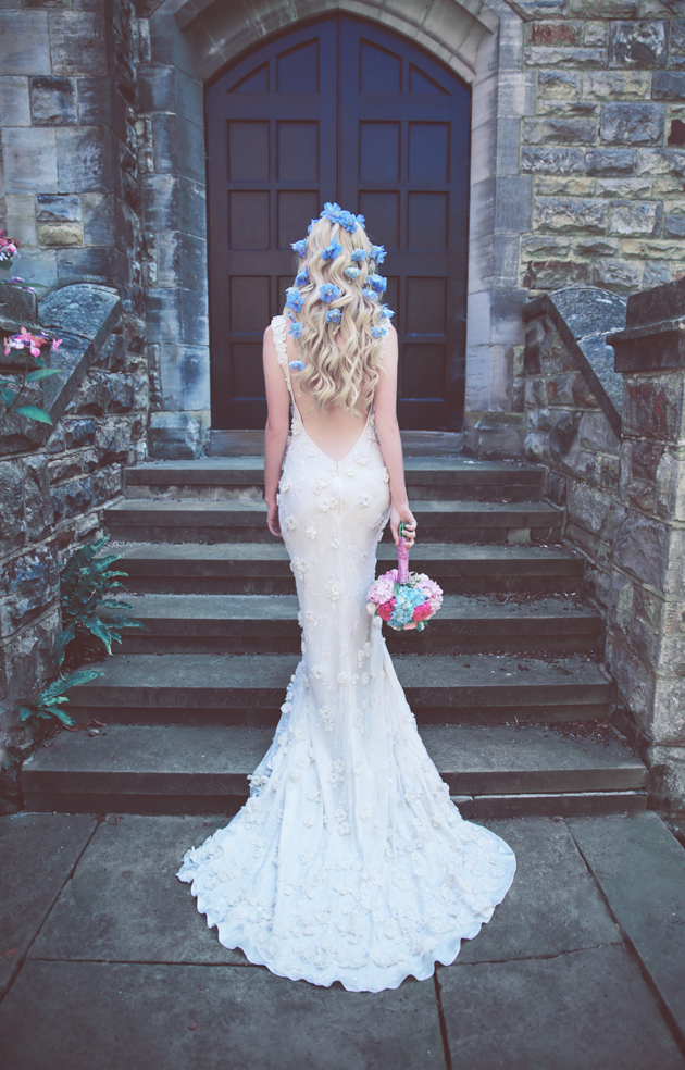 Flowers in her hair bride-bridal styling-charlotte munro-hair flowers-sanshine photography (2).jpg