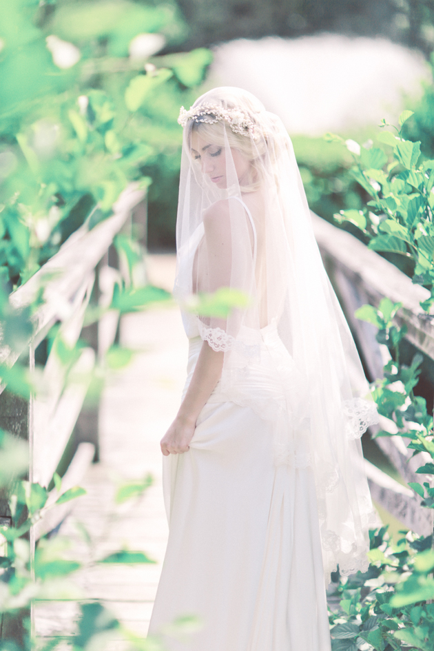 Romantic veiled bride-bridal stylist-charlotte munro-surrey wedding-sanshine photography.jpg
